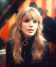Beatnik Style, Marianne Faithfull, Retro Makeup, Retro Pop, Bodysuit Fashion, Famous Girls, Fashion Moda, 1960s Fashion, Rolling Stones