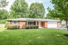 real estate photo 1 for 1350 Ridgecrest Dr Miami Twp. (East), OH 45150 asking 149000