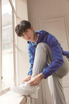 Cute Asian Guys, Asian Boys, Cute Guys, Cha Eun Woo, Vixx, Jungkook Thighs, Cha Eunwoo Astro, Astro Wallpaper, Lee Dong Min