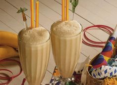 """Dulce de Leche:    2 tsp sugar free caramel, 2"""" bite of banana, 6 ice cubes, 8 oz almond milk, and 2 scoops Vi-shake. Yum yum. Named after the Haagen Daas ice cream."""