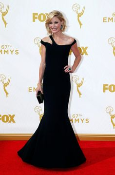 Julie Bowen, in Georges Chakra Couture, on the red carpet at the 67th Primetime Emmy Awards. (Photo: Mario Anzuoni/Reuters)