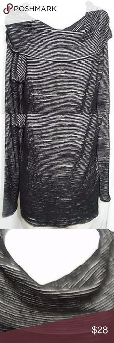 """Anthropologie Dolan Left Coast knit top blouse Md Dolan Left Coast Anthropologie top in like new condition. Size Medium, 22"""" from underarm to underarm, sleeves are about 21.5"""", 22"""" from shoulder to hemline; 70% Cotton, 30% Rayon. Pet and smoke free home. Anthropologie Tops Blouses"""