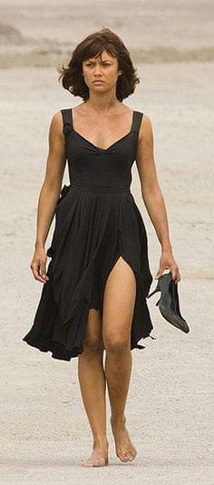 Montes's Prada dress worn by Camille Montes, played by Ukrainian/French model Olga Kurylenko. Movie: Quantum of Solace Casino Royale Dress, Casino Dress, Casino Outfit, Bond Girl Dresses, Best Bond Girls, James Bond Party, Prada Dress, Actrices Hollywood, Casino Night