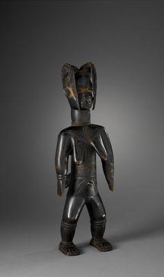 """Zlan (a.k.a. Sra), """"Maternité"""" (circa 1915) 63 x 20.5 cm, Dan/Côte d'Ivoire © musée du quai Branly, photo Patrick Gries, Valérie Torre"""