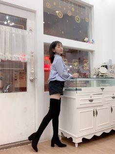 Asian Woman, Asian Girl, Thigh High Boots, Thigh Highs, Thighs, Socks, Cute, Legs, Girls