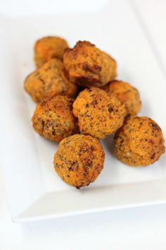23. Paleo Sausage Balls #whole30 #paleo #breakfast #recipes http://greatist.com/eat/whole30-breakfast-recipes