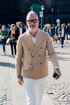 Street Style at Pitti Uomo 90. #style #menswear #jameslevetttailoring #springsummer #ss17 #savilerow #ijameslevettmoodboards #jameslevett.com