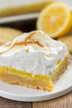 These Lemon Meringue Pie Bars are covered in marshmallow meringue and ...
