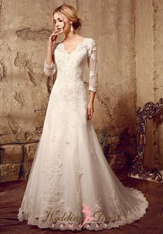 High Quality Cheap A-Line V-Neck Scalloped-Edge Natural Waist Sleeve Tulle Plus Size Wedding Dress from HeleneBridal is on sale at wholesale prices. Puffy Wedding Dresses, Wedding Dresses Under 500, Sweetheart Wedding Dress, Wedding Dress Sleeves, Modest Wedding Dresses, Wedding Dress Styles, Bridal Dresses, Wedding Gowns, Lace Dress