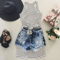 Imagem de fashion, moda, and short roupas fofas, roupas bonitas, roupas estilosas Tumblr Mode, Style Tumblr, Tumblr 2017, Tumblr Fashion, Teen Fashion, Fashion Outfits, Womens Fashion, Fashion Trends, Tumblr Outfits