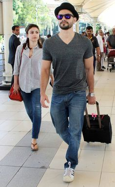 Soha Ali Khan and Kunal Khemu at Mumbai airport. #Bollywood #Fashion #Style #Handsome #Beauty #Hot
