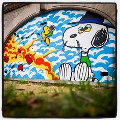 Matt Gondek @ Paris !... Avec la galerie Avenue des Arts  Photo : Lionel Belluteau Plus de photos sur https://ift.tt/YMhG58  @gondekdraws @avenuedesarts_hk @frankz1lla #mattgondek #mattgondekart matt_gondek #paris #peanuts #snoopy #unoeilquitraine #lionelbelluteau @unoeilquitraine