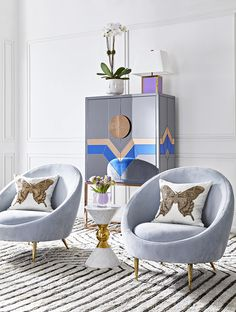 Jonathan Adler brings Modern American Glamour to your living room. This image fe… Jonathan Adler brings Modern American Glamour to your living room. This image features the Nouvelle Bar and Ether Club Chairs among other fab finds. Sofa Design, Canapé Design, Modern Design, Bedroom Furniture, Modern Furniture, Furniture Design, Bedroom Decor, Art Furniture, Living Room Designs