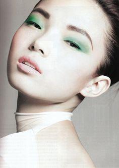 Xiao Wen Ju   sola rey