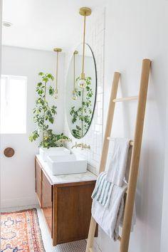 10 Tricks To Transform Your Tiny Bathroom Into A Home Spa