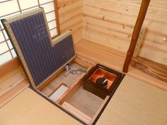 japanese style tiny house by oregon cottage company 4 Your Own Tea Room in a 134 Sq. Japanese Tiny Home? Japanese Style Tiny House, Traditional Japanese House, Tiny House Plans, Tiny House On Wheels, Tiny House Exterior, Tiny House Storage, Japanese Interior, Tiny House Living, Living Room