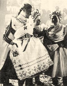 Buják girls from the (Hungary) Folk Costume, Costumes, Capital Of Hungary, Civil War Fashion, Hungarian Embroidery, Cultural Experience, Folk Dance, World Cultures, Fashion History