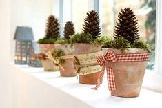 bricolage pour Noël - pots de fleurs décorés de rubans artisanaux                                                                                                                                                     Plus