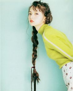 Asuka Saito Beautiful Asian Girls, Beautiful People, Saito Asuka, Aesthetic Japan, Kawaii Girl, Vintage Girls, Pose Reference, Pink Girl, Asian Beauty