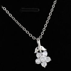 $2.27   45.5cm Two Colors Necklace Fashion Flower Shape Inlay Zircon Pendant Copper Necklace http://www.eozy.com/45-5cm-two-colors-necklace-fashion-flower-shape-inlay-zircon-pendant-copper-necklace.html