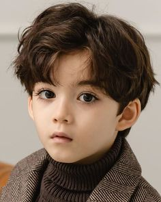 this is the prettiest child I have ever seen how do I buy one Cute Baby Boy, Cute Little Baby, Cute Boys, Cute Babies, Baby Boy Outfits, Kids Outfits, Handsome Kids, Stylish Little Boys, Kids Boys