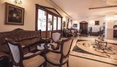 Restaurante nunti Brasov | sali evenimente brasov Couch, Furniture, Home Decor, Restaurant, Settee, Decoration Home, Sofa, Room Decor, Home Furnishings