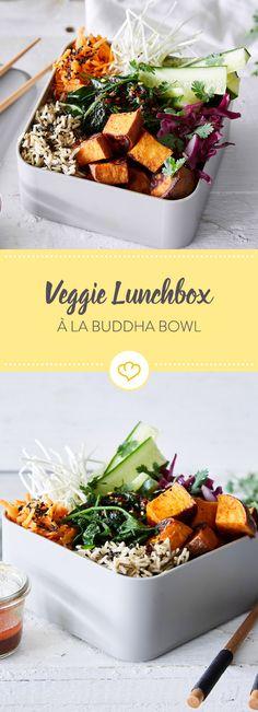 Deine Buddha Bowl zum Mitnehmen? Dank Lunchbox kein Problem. Von Süßkartoffeln über Spinat, Möhren und Sprossen sind alle deine Lieblingszutaten mit dabei.