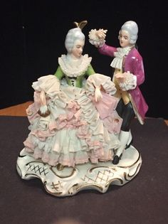 VINTAGE DRESDEN Starched LACE COURTING COUPLE Porcelain Figurine (A) #Victorian #Dresden