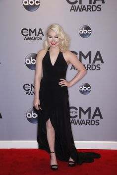 """RaeLynn walks the red carpet at """"The Annual CMA Awards,"""" live Wednesday, Nov. Country Artists, Country Singers, Country Music, God Made Girls, Cma Awards, Yesterday And Today, Now And Forever, Country Boys, Nashville"""
