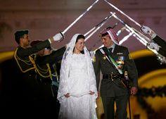 Prince Hamzah and Princess Noor - When: August 29, 2003 Where: Amman, Jordan The Bride: Princess Noor bint Asem bin Nayef The Groom: Prince Hamzeh bin Hussein, former crown prince of Jordan