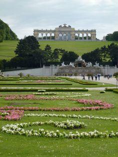 Danube River Cruise Ship    ||  DerTour Mozart   ||  Vienna, Austria - Schonbrunn Palace - Gardens 2  ||  140513