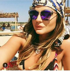 b4393ba101884 Look beach fashion ♡ Oculos De Sol Espelhado