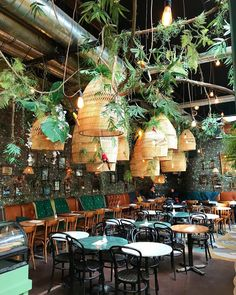 Urban jungle overload at beach bar The Fat Mermaid in Scheveningen! Design Bar Restaurant, Restaurant Concept, Cafe Restaurant, Coffee Shop Design, Cafe Design, Diy Design, Cafe Bistro, Cafe Bar, Cafe Interior