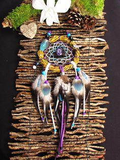 Dream Catcher Craft, Dream Catchers, Wreath Crafts, Wreath Ideas, Los Dreamcatchers, Native American Beauty, Nativity Crafts, Wall Hanger, Mixed Media Art
