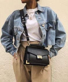 Denim jacket and purse Oversize Pullover, Oversized Jeans, Grunge Look, Womens Fashion Online, Latest Fashion For Women, Mode Ootd, Trendy Swimwear, Business Outfit, Mode Inspiration