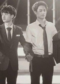 KAI & KYUNGSOO ♡ #EXO #KAISOO BROMANCE Katherine, it's our boy together!