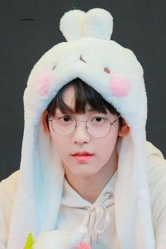 「mature content」 Yeonjun bingung kenapa setiap melihat pantat Soobin … #fiksipenggemar # Fiksi penggemar # amreading # books # wattpad