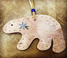 #birchbark #bear with #quillwork Tree Mushrooms, Christmas Ideas, Christmas Ornaments, Birch Bark, Mandala Art, Basket Weaving, Quilling, Wood Crafts, Baskets
