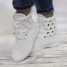Bildergebnis für botas tejidas a crochet Crochet Sandals, Crochet Boots, Crochet Slippers, Crochet Lace, Knit Shoes, Sock Shoes, Shoe Boots, Crochet Skirt Pattern, Crochet Slipper Pattern