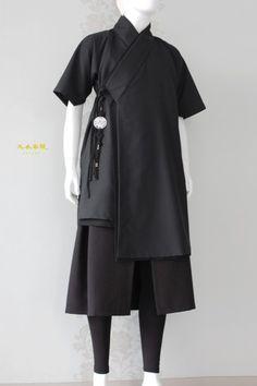 유니섹스 천의답호 남자생활한복 신한복 스타일 : 네이버 블로그 Korean Dress, Korean Outfits, Japanese Outfits, Korean Traditional Clothes, Traditional Outfits, Traditioneller Kimono, Kimono Fashion, Fashion Outfits, Modern Hanbok