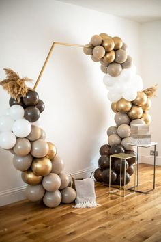 Balloon Arch Diy, Balloon Backdrop, Balloon Garland, Balloon Ideas, Birthday Balloon Decorations, Birthday Balloons, Baby Shower Decorations, Baby Shower Balloons, Gold Balloons