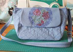 Handmade Handbag Ramie Cotton Embroidery Flower by Mingxiastore