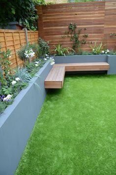 Backyard garden design, small courtyard gardens и small garden landscape. Diy Bench Outdoor, Courtyard Gardens Design, Small Backyard, Patio Design, Garden Seating, Garden Design Ideas On A Budget