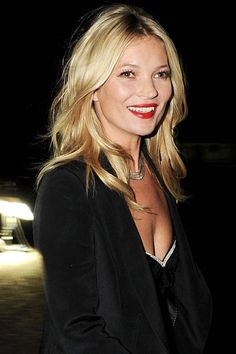 Sorry brunettes, when it comes to red lipstick, blondes really do have more fun.