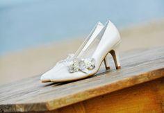 Een prachtige leren pump met bloemen van Elsa Coloured Shoes.
