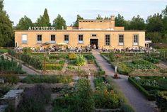 Food/Shop/Hotel: Villa Augustus - Oranjelaan 7, Dordrecht