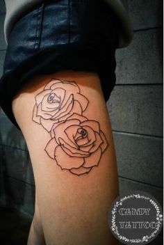 [Line Tattoos]Carved rose thigh tattoo women