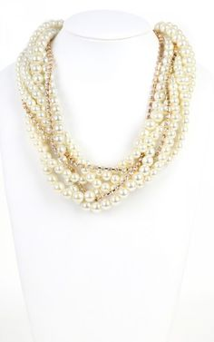 Layered Pearls Necklace CREAM