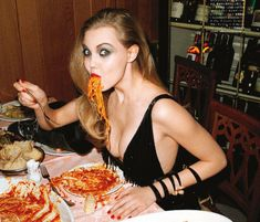 Vogue Japan, July 2011 - Spaghetti Western Lindsey Wixson - Model Terry Richardson - Photographer George Cortina - Fashion Editor/Stylist Recine - Hair Stylist Frank B - Makeup Artist Lindsey Wixson, Spaghetti, Champions League Finale, Ma Pizza, La Trattoria, Binge Eating, People Eating, Food Styling, Gastronomia