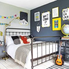 Modern children's room pictures and photos for your next decorating project. Find inspiration from of beautiful living room images Blue Bedroom, Girls Bedroom, Bedroom Decor, Modern Bedroom, Trendy Bedroom, Pop Art Bedroom, Quirky Bedroom, Bedroom 2018, Childs Bedroom